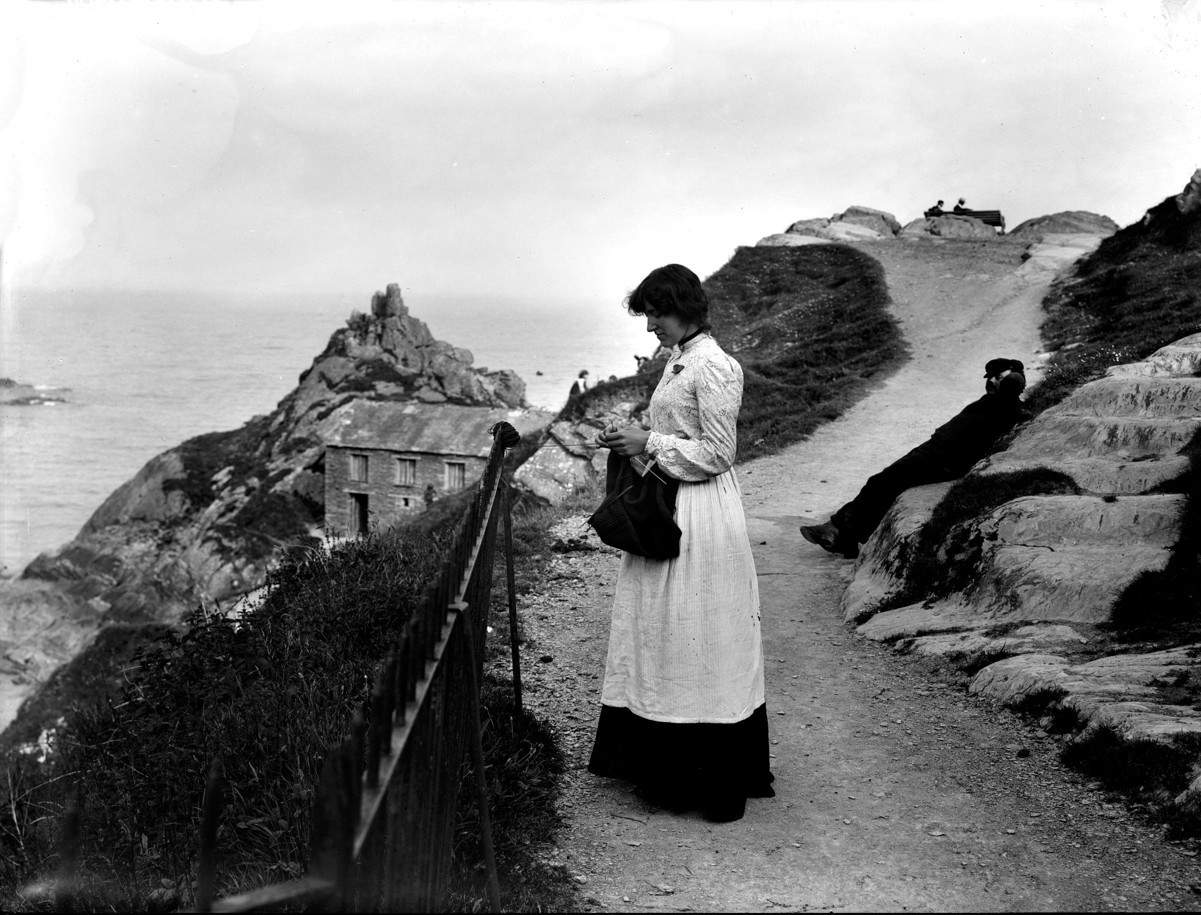 A history of knitting in Cornwall - Cornish knit-frocks and ...